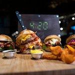 I nostri burger vi aspettano.