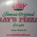 Foto de Famous Original Ray's Pizza