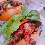 Foto de Betty's Burgers & Concrete Co