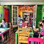 Midway Cafe & Coffee Bar resmi