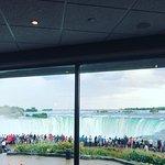 Foto de Elements on the Falls
