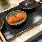 Salmão com toque de wasabi.