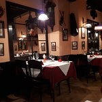 vista del interior del restaurante U Tri Houslicek