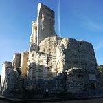 monumento a Cesare AUGUSTO, conquistatore della Gallia