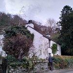 صورة فوتوغرافية لـ Dove Cottage