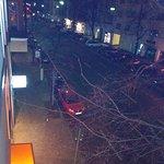 Strasse vor dem Hotel