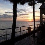 Coucher de soleil vu de la piscine/terrasse