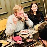 Bistecca alla Fiorentina Questo è il nostro modo migliore per degustare la #bisteccaallafiorentina La Cocotte Restaurant è il posto giusto per trovarla. Dalla #Chianina alla Prussiana fino ad alla mitica Galiziana Biologica allevata a pascolo brado in Catalogna