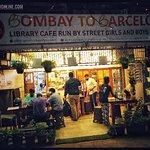 Fotografie: Bombay to Barcelona Library Café