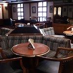 Harry's Pub03