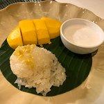 Room Service: 芒果糯米飯, 好味!