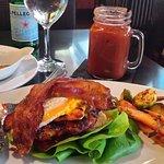 Foto de Napkins Bar & Grill