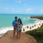 Esse é um dos mirantes da praia de Coqueirinho, que fica ao fundo dessa foto.