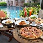 Photo de Salas Pool Restaurant