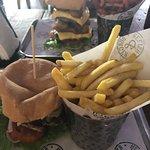 Foto di Burger and Relish Osu