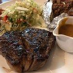 Foto de Cav's Steakhouse