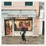 Pizza Al Volo Photo