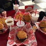 Freddy's Frozen Custard & Steakburgers의 사진