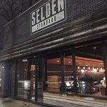Foto de Selden Standard
