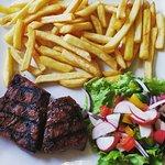 Carey's Seafood & Steak Bar照片