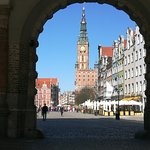 Town Hall in Gdansk and Dlugi Targ street