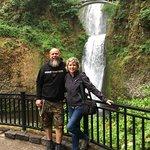 صورة فوتوغرافية لـ Multnomah Falls