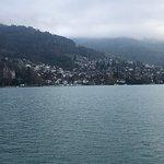 トゥーン湖遊覧船の写真