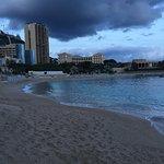 Foto de Larvotto Beach
