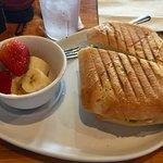 Foto van Two Chicks Cafe