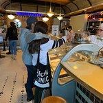 صورة فوتوغرافية لـ The Ice Cream Bar