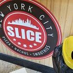 Photo de Slice of New York Pizza