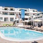 Villa Canaima swimming pool sea and pool view apartments