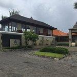 Entrance - Bali Niksoma Boutique Beach Resort Photo