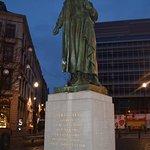 Statue: Gabrielle Petit at place St Jean Resmi