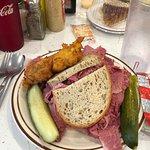 Foto de Manny's Cafeteria and Delicatessen