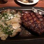 Foto de Driftwood Restaurant & Lounge