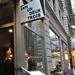 Фотография Cafe Un Deux Trois