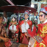Saan Chao Pho Laolek