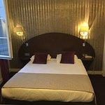 Bed - Hotel de Neuve by HappyCulture