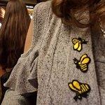ภาพถ่ายของ Golden Bee