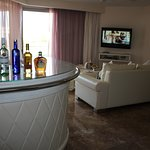 Junior Suite room and bar