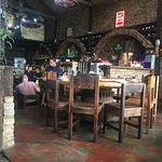 Ambiente interno do bar.