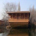 Mascot Houseboats Photo