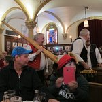 Stadtkeller Swiss Folklore Restaurant Foto