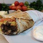 shawarma (kebab) carne , frango, misto, kafta, linguiça bovina,hamburguer  e kafta de cordeiro