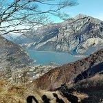 Photo de Eremo di monte Barro