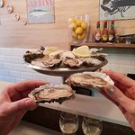 Joel's Oyster Barの写真