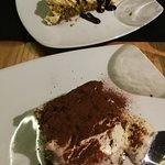 postre, tiramisu y cheesecake de pistacho