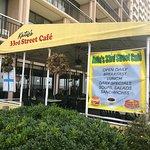 صورة فوتوغرافية لـ Katie's 33rd Street Cafe