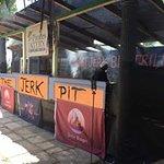 Bild från Pirates Eatery - Bodden Town's Truck Stop